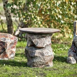 Стол для сада Камень