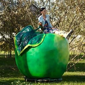 Рекламная фигура яблоко за 40500 руб.