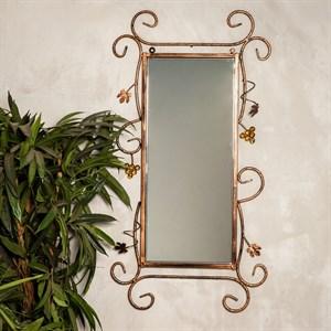 Зеркало в кованой раме